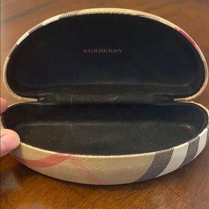 Burberry Accessories - Burberry Sunglasses Case